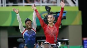 simone-biles-aly-raisman-rio-olympics-floor-exercise-final