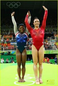 watch-simone-biles-aly-raisman-floor-routines-olympics-03